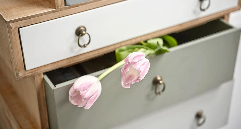 byrå med rosa tulpaner, Happiend Reklambyrå